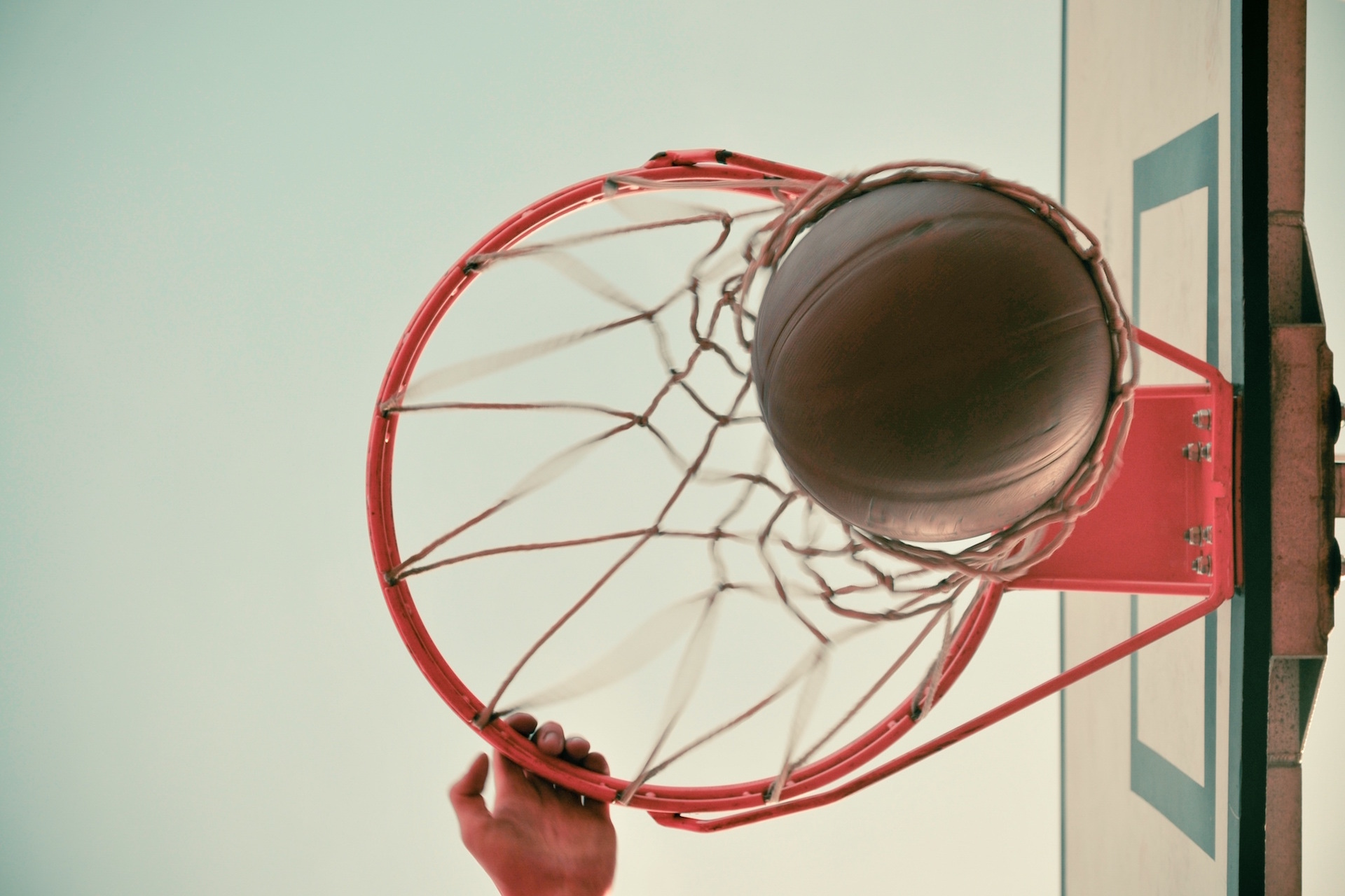 How to Slam Dunk Your 90-Second Pitch